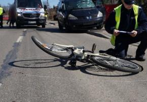 Wypadek w Kożuszkach Parcel. Rowerzysta w szpitalu, na miejscu grupa dochodzeniowo - śledcza-54662