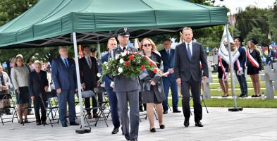 17 września na cmentarzu w Trojanowie. Były salwa honorowa i apel pamięci-54670