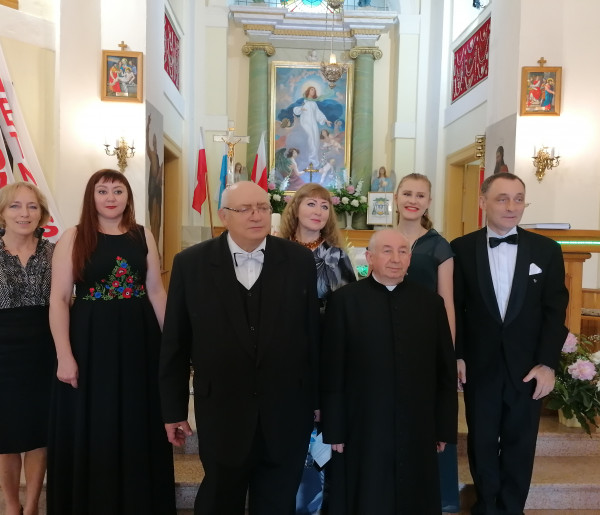 Sanniki zapraszają na koncerty w Dniu Papieskim - wspieramy budowę Domu w Mocarzewie-54905