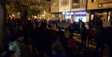 Strajk kobiet w Sochaczewie. Wyszły z placu Kościuszki na ulice, to były silne emocje FOTO VIDEO-55132