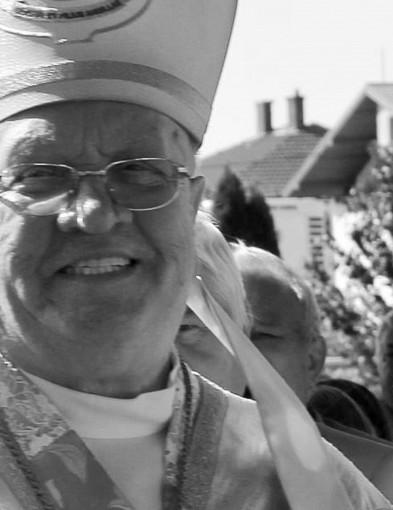Nie żyje biskup Józef Zawitkowski, Honorowy Obywatel Łowicza-55194