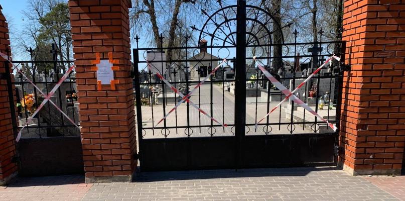 Premier zamyka cmentarze na czas Wszystkich Świętych. Dodatkowe autobusy w Sochaczewie odwołane - 55205