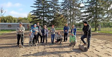 Nowe boisko sportowe w Kapturach. Owoc inicjatywy i pracy mieszkańców-55437