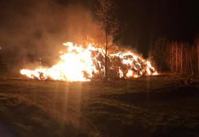 Pożar w Śladowie. Trzy zastępy straży pożarnej w akcji-55440