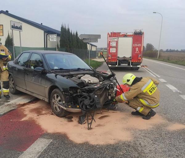Zderzenie dwóch osobówek w Pawłowicach-55525