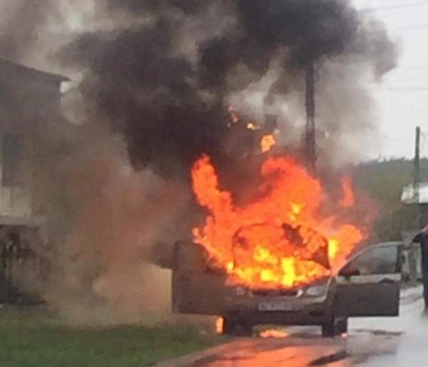 Kampinos: osobówka spłonęła doszczętnie-57435
