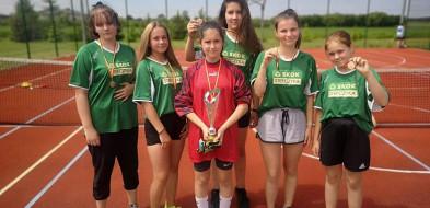 Doskonała forma piłkarek i piłkarzy sochaczewskiej SP 7-58398
