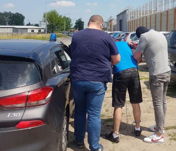 25-latek z Żyrardowa zatrzymany w związku ze strzelaniną na Mielczarskiego-58419