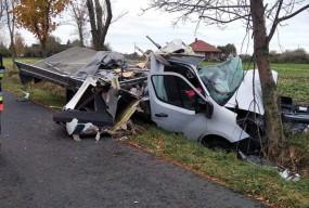 Groźny wypadek pod Łowiczem: 18-letni sochaczewianin w ciężkim stanie-60268