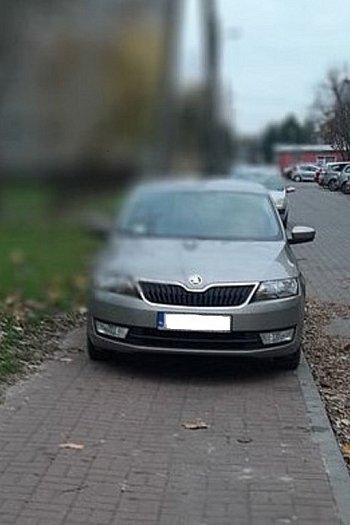 Mistrz parkowania na Senatorskiej-9788