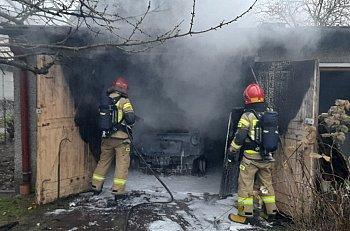 Pożar na posesji przy ul. Zieleńczej-9792