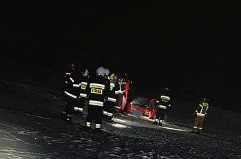 Fiat Seicento zatopiony w Bzurze-9945