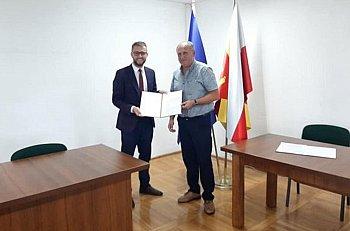 Umowa na budowę przedszkola w Rybnie podpisana-10620