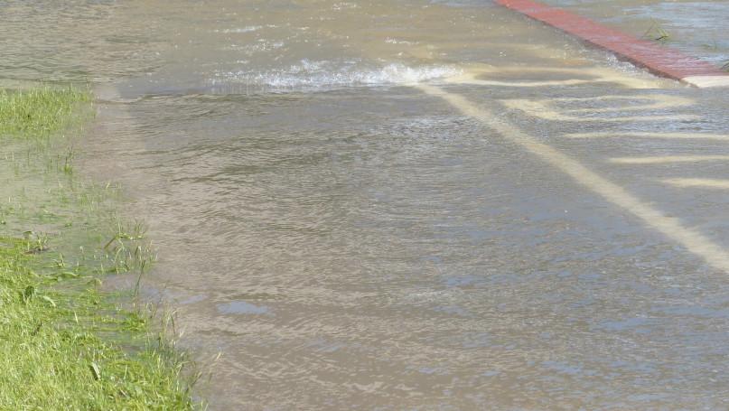 Ulica Spartańska zalana