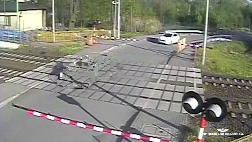 Radziwiłłów: Wypadek na przejeździe kolejowo-drogo